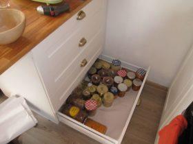A peine posés, les tiroirs sont déjà remplis !